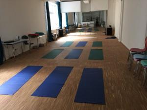 Loft mit Yoga Matten