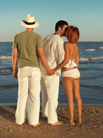 Untreue erlaubt – Polyamorie als neues Beziehungsmodell